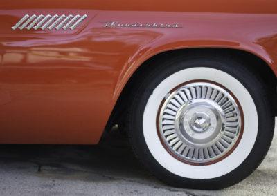 Carosseria Classica_Chevrolet Thunderbird_rot2.jpg